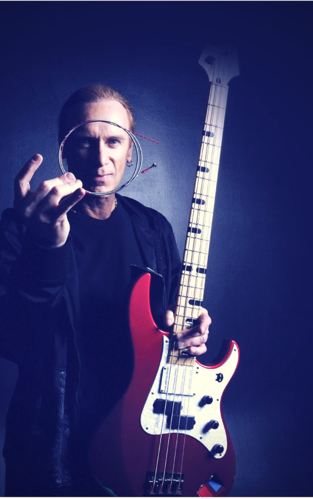 Il bassista dei Mr.Big Billy Sheehan