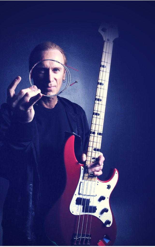 Il bassista dei Mr.Big Billy Sheehan