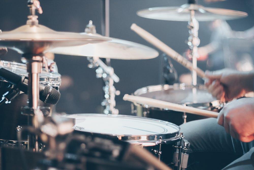 Suonare con un batterista